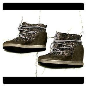 Juicy Couture Mareen booties